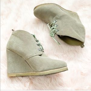 Steve Madden Tanngoo Suede Ankle Boot Size 10